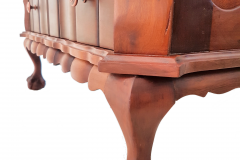 chest of drawers foot